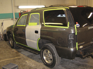 my first job of the week was this chevy tahoe: color code 391e, big rear door repair and a couple of blends.